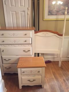 Broyhill solid wood twin bed, dresser and nightstand