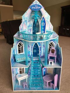 Kidkraft Wood Frozen Doll House with furniture