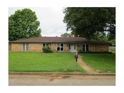 4 Bed 2 Bath Foreclosure Property in Longview, TX 75604 - Ferndale St