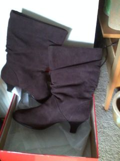 *NEW IN BOX* BOOTS