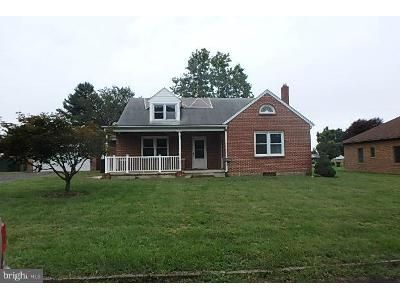 4 Bed 2 Bath Foreclosure Property in Maugansville, MD 21767 - Distant View Dr