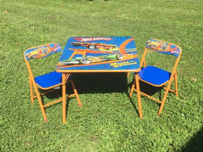 Hot Wheels Kids Table & Chair Set, good condition **READ PICK-UP DETAILS BELOW