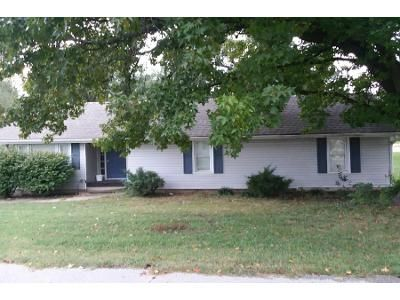 3 Bed 1 Bath Preforeclosure Property in Clinton, MO 64735 - Tower St