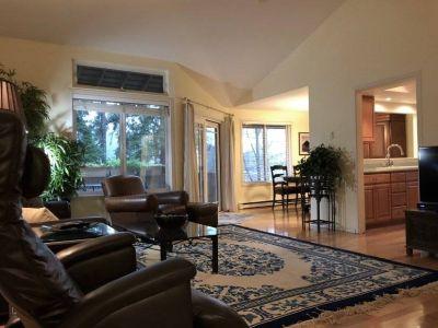 $3250 3 townhouse in Mercer Island