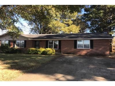 3 Bed Preforeclosure Property in Senatobia, MS 38668 - Lively St