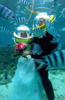 Underwater Wedding Proposal Photos: When Love Is Underwater!