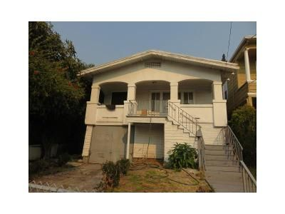2 Bed 1 Bath Foreclosure Property in Oakland, CA 94606 - E 22nd St