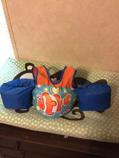 Puddle jumper infant size 30-50 lbs. great used condition. Pick up at McCalla Target Thursday s from 5:15-6. CP.