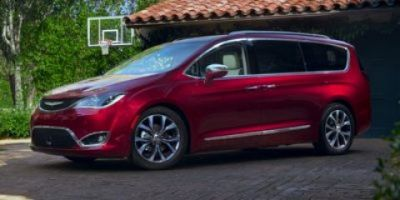 2017 Chrysler Pacifica Touring (Bright White Clearcoat)