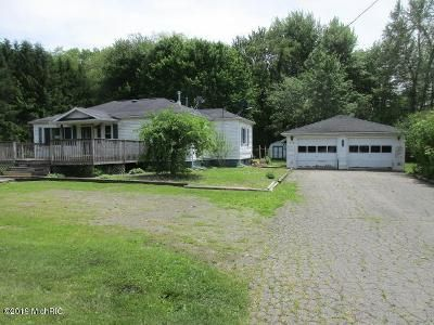 3 Bed 1.5 Bath Foreclosure Property in New Buffalo, MI 49117 - Wilson Rd