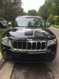 Grand Jeep Cherokee 2011 V6 4x4 LOW Milage