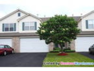 Great 3BD/2.5 BA Townhouse in Maple Grove