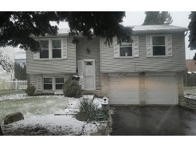 3 Bed 1 Bath Preforeclosure Property in Toledo, OH 43611 - Holliday Dr