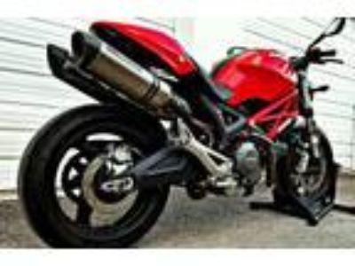 2012 Ducati Monster 696 ABS