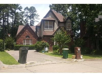 3 Bath Preforeclosure Property in Little Rock, AR 72212 - Rainwood Cove Dr