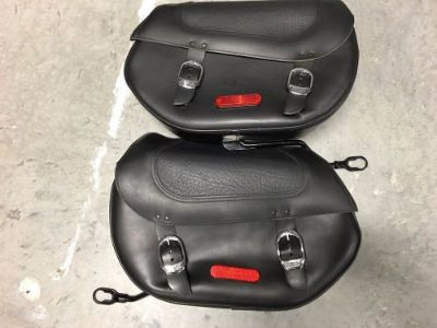 Sell Softail Convertible CVO Screaming Eagle Detachable Saddlebags 88253-10 motorcycle in West Palm Beach, Florida, United States