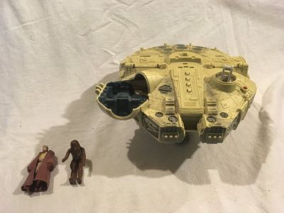 millennium falcon star wars flying ship action figure chewbacca / obi-wan kenobi 02041