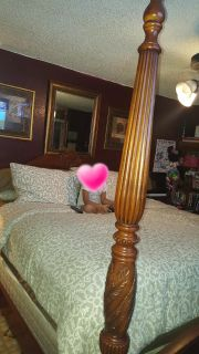 (POMS) Used king size bed frame only in great condition (OBO)