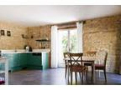 Fun loving One BR apartment in the awesome location of Italy at 112 USD per
