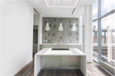 1 bedroom Condo in Flushing. Parking Available!
