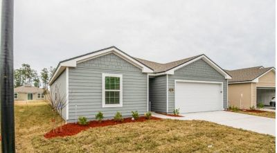 3 bedrooms single family home, Washer/Dryer Clean & Freshly painted
