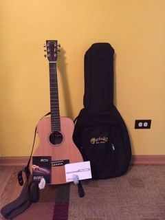 Little Martin Acoustic-Electric guitar w/case