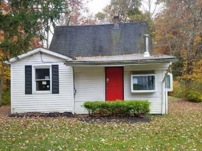3 Bed 2 Bath Foreclosure Property in Millington, NJ 07946 - Bungalow Ter