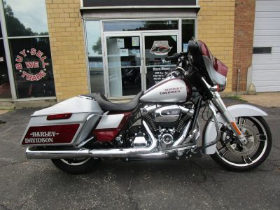2017 Harley-Davidson Street Glide Touring Motorcycles South Saint Paul, MN