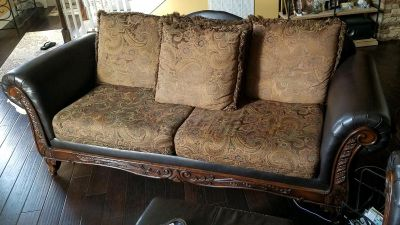Traditional Style Sofa and Loveseat Combo