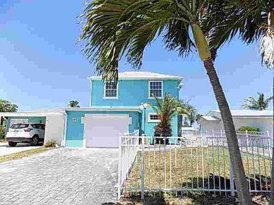 94 Aqua Ra Drive Jensen Beach Three BR, Half duplex with amazing