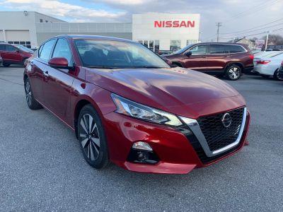 2019 Nissan Altima 2.5 SV (scarlet ember)