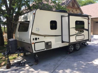 By Owner! 2015 Forest River Flagstaff Micro Lite 21FBRS