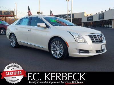 2013 Cadillac XTS Luxury Collection (White Diamond Tricoat)