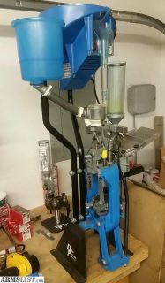 For Sale: Dillon SL900 12 Gauge Progressive Reloading Press