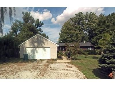 3 Bed 1 Bath Foreclosure Property in Bowling Green, OH 43402 - Oak St