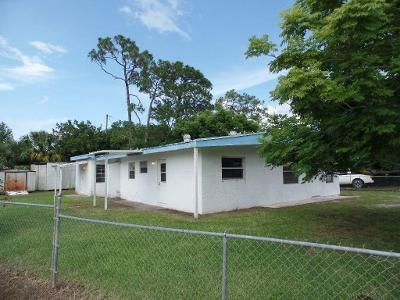 4 Bed 2 Bath Foreclosure Property in Fort Pierce, FL 34982 - Borraclough St
