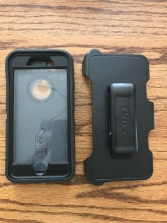 Great Condition Otterbox Defender Case + Clip. iPhone 7 & 8.