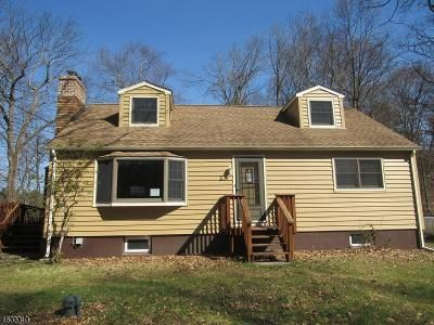 4 Bed 2 Bath Foreclosure Property in Hewitt, NJ 07421 - Lookover Dr