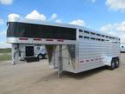 2019 Featherlite Featherlite 20' V-Nose Stock Trailer Stock