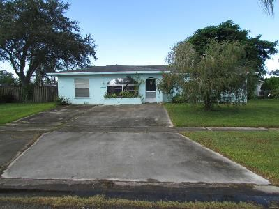 3 Bed 2 Bath Foreclosure Property in Port Saint Lucie, FL 34983 - NE Faring Ave