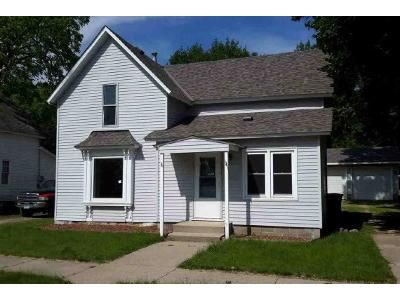 3 Bed 2 Bath Foreclosure Property in Lake Crystal, MN 56055 - S Anna St