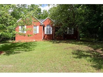 3 Bed 2 Bath Foreclosure Property in Dora, AL 35062 - Hayfield Loop