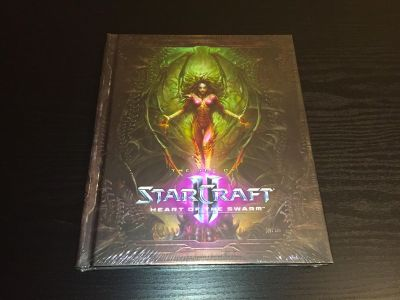 StarCraft II: Heart of the Swarm Collector's Edition Art Book
