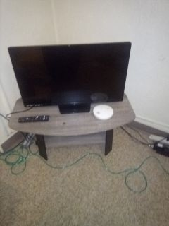 32' tv and table