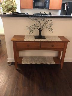 Solid wood console/sofa/entryway table EUC *Pick up in Mooresville*