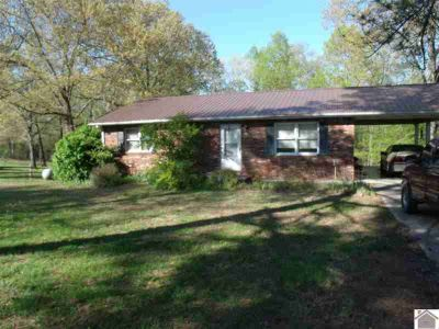 76 Dogwood Place Benton Two BR, Nice brick home located close