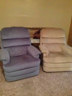 Recliner chair La-Z-Boy. Great condition 1 chair still available