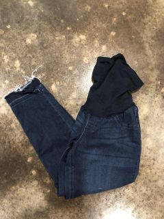 Jessica Simpson Maternity Cropped Pants