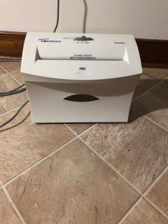 Paper shredder Guardian shed master 3 to 4 sheet