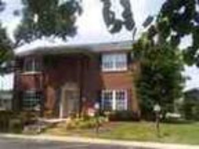 Beautiful Two BR Town Home On Great Specials